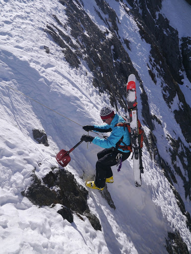 Abseil La Voûte with Snowlegend guide